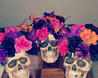 Halloween, Wedding, Party, Haunted Skull and Flower Centerpieces