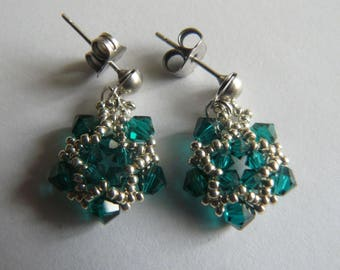 Crystal star earrings emerald green and silver
