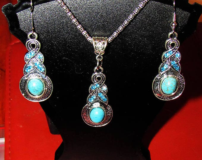 Beautiful Turquoise and crystal Antique Silver Jewelry Set