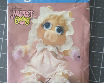 Vogue 8967 Muppet Baby Piggy pattern