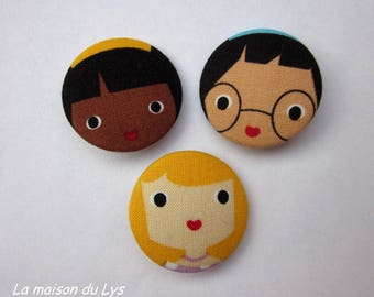 3 32mm buttons covered with fabric, doll heads folk art girls