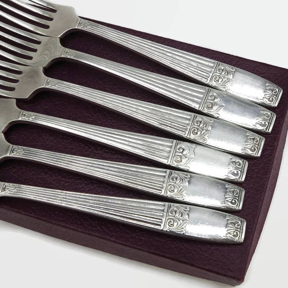 6 vintage silver plated forks in box, Elkington Plate, elaborate Grecian column pattern on front with pattern echo at back, England, 1950s