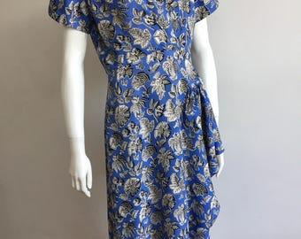 Vintage 1940s Blue Print, Short-sleeved Day Dress. Size 14 (ETS619)