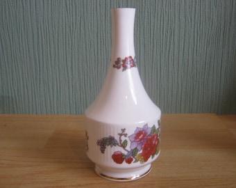 """Paragon """"Tree of Kashmir"""" Pattern Bud Vase"""