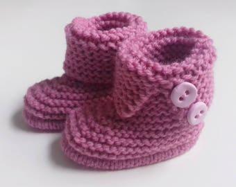 handmade woolen knit booties for newborn to 12 months baby pink