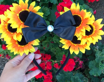 Large sunflower mouse ears