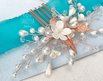 Rose gold hair comb. Bridal hair comb. Wedding hair comb. Bridal hairpiece. Beach wedding headpiece.Crystal hair comb. Pearl comb.