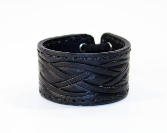 Leather cuff, cuff with celtic knot, great gift for women, hight quality handmade leather bracelet, unique gift for women.