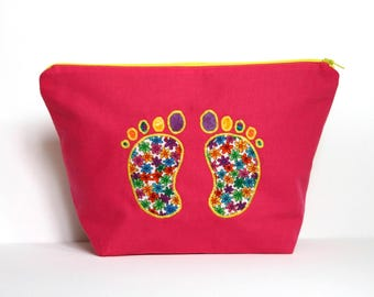 Toiletry bag, color fuchsia pink and little feet