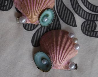Set of 2 Seashell hair clips,mermaid seashell hair accessories, under the sea barrettes, hand painted seashell with green limpits and pearl