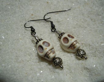 Skull and Bead Earrings  Day of the Dead  Day of the Dollies