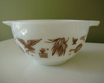 Vintage Pyrex Early American Cinderella Mixing Bowl - #441 - 1 1/2 Pt.