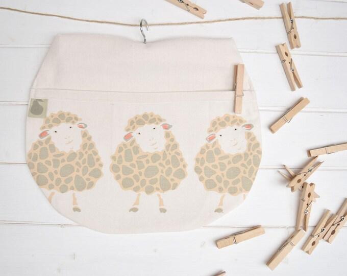 Sheep peg bag in organic cotton. Clothes pin bag.
