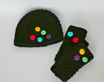 Warm, black,with colorful detail: womens hat and hand warmers