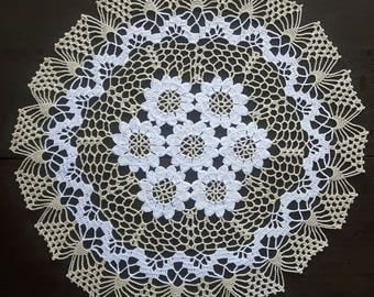 Beige doily with white flowers No.33
