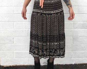 90s BOHO Black Floral Pattern Skirt | by sixteen-o-one petites | size M | PM