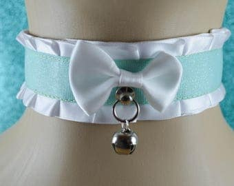 Glitter Mint and White Collar