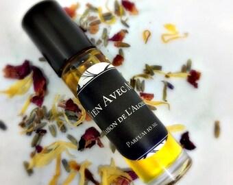 VIENS Avec MOI Perfume Oil - Vanilla, Ylang Ylang, Vetiver, Petitgrain,Cinnamon, Black Pepper,Natural Perfume, Essential Oil, Vegan Perfume