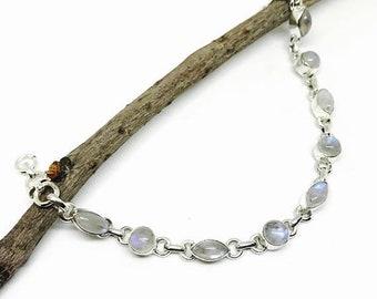 10% Moonstone  bracelet set in sterling silver (92.5).Natural moonstones.Adjustable length with lobster clasp.