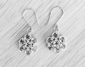 Sterling silver flower earrings - chain maille earrings - small silver flowers