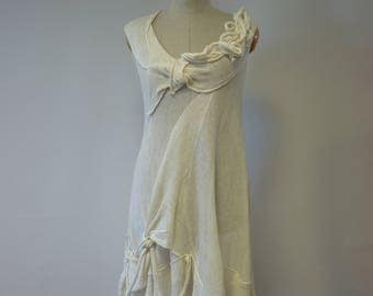 Summer off-white linen tunic, M size.