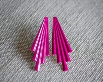 Retro Vintage Art Deco 80s Pink Purple Fuchsia Lightweight Pierced Earrings
