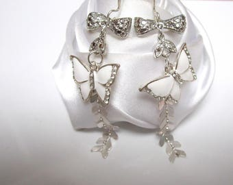 Butterfly connector and chain link earrings