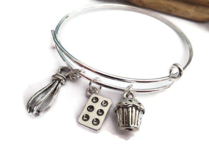 cupcake bangle, baker bracelet, cake baker gift, baking gift, baking jewellery, bake off, Xmas gift, birthday present, baker jewellery