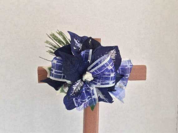 Christmas cemetery flowers, Christmas grave decoration, Christmas memorial crossGrave Marker, Memorial Cross, Floral Memorial