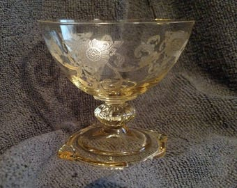 Vintage HEISEY #3390 Carcassone Shape Empress Old Colony Etched SAHARA Yellow Sherbet Glass
