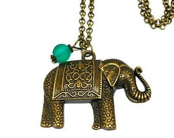 Elephant and Green Pearl pendant necklace