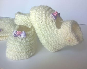 Wool 0/3 months booties Babies ballerinas birth - Ecru bow hand knitted baby girl purple