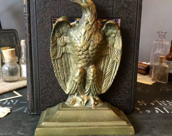 Vintage Eagle Brass Bookend, Heavy Base Bookend, Vintage Desk Decor, Mid Century Decor Style, Library Decor