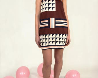 A line dress, mini dress in printed cotton geometric design sixties style. Modette look. Everyday funny dress. Easywear comfy summer dress