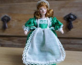 Vintage Handmade Rococo Baroque Georgian Style Scale Miniature Dolls House Girl In Green Dress