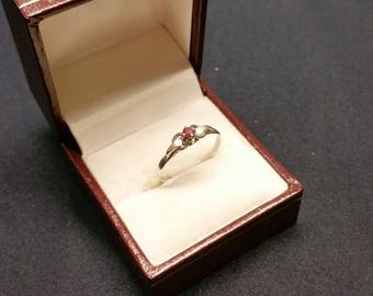 18.3 mm ring Silver 925 with Ruby vintage SR950