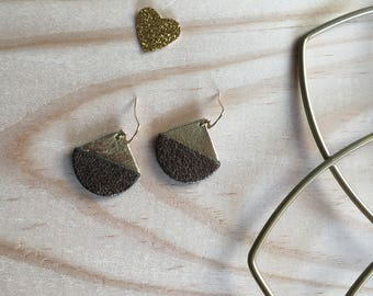 Glitter and golden brown leather earrings