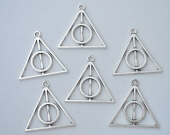 Bulk 25 Pcs Harry Potter Deathly Hallows Triangle Charms Antique Silver Tone 2 Sided 32x33mm - YD0361