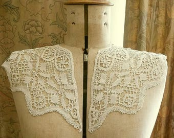 Antique Handmade Torchon Lace Collar