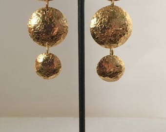 Gold plated brass three circle hammered clip earrings