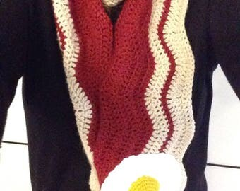 Bacon scarf and its crocheted fried egg