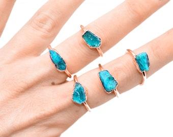 Rough APATITE ring // Raw stone ring / Blue apatite ring / Large neon apatite ring / Blue apatite jewelry / Raw apatite jewellery/ APATITE