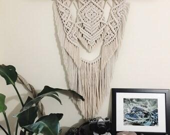 LAVISH // Large Macramè Wall Hanging