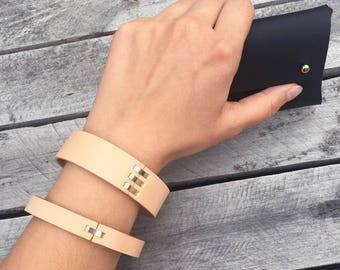 Handmade leather bracelet - Natural and gold colours