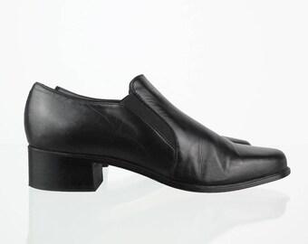 Elegant black vintage loafers 39