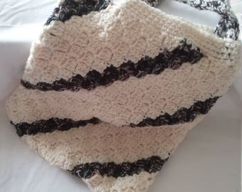 Crocheted carry bag
