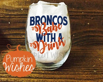 Broncos Wine Glass/This Girl Love the Broncos/Football Wine Glass/Sports Glass/Denver/NFL Wine Glass/Football/Bears/Broncos Babe