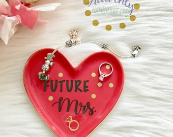 Future Mrs Ring Dish// Jewelry Dish // Valentine's Day Gift // Jewelry // Wifey for Lifey // Just Married/ Wedding Gift // Engagement Gift