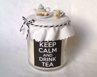 """Keep calm and drink tea"" candle black and white"