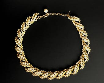 Vintage Trifari Gold Tone and Faux Pearl Choker Necklace